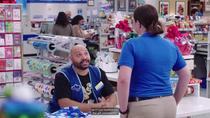 Superstore: Wrapping gifts