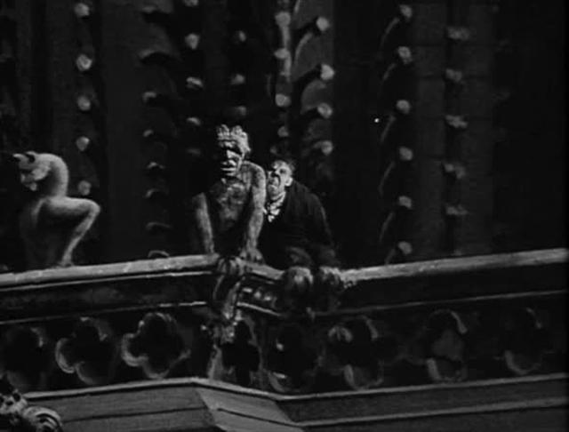 FILM: The Hunchback of Notre Dame - Closing Optical Zoom