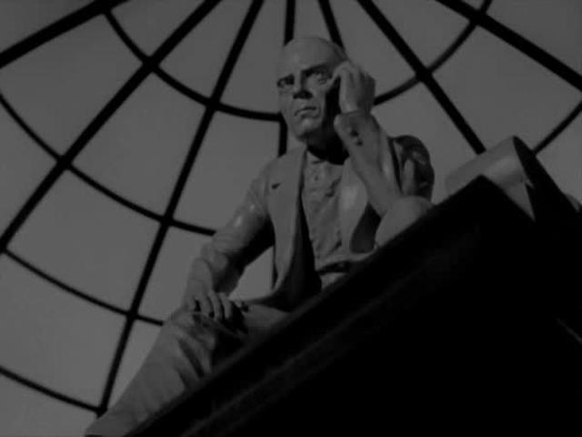 FILM: Citizen Kane - Thatcher Statue Optical Pan