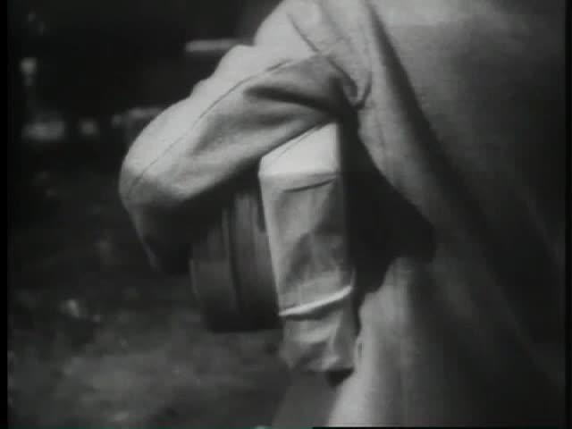 Sabotage (1936): Bomb on Trolley