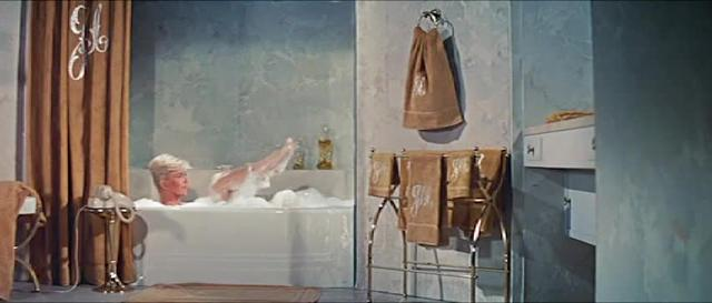 Bathtub split screen scene from Pillow Talk