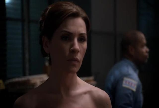 THE GOOD WIFE interweaves legal and romantic plotlines through atemporally complex editing