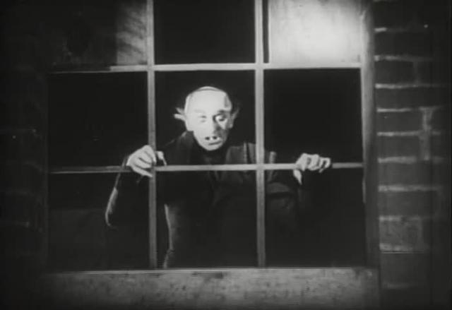 Nosferatu (1922) - Nosferatu's death