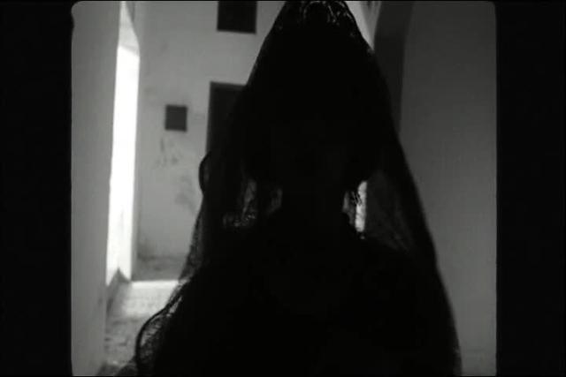 Blancanieves (2012) - Encarna's death