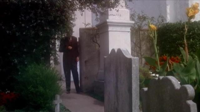 Vertigo - Scottie follows Madeleine to the Graveyard