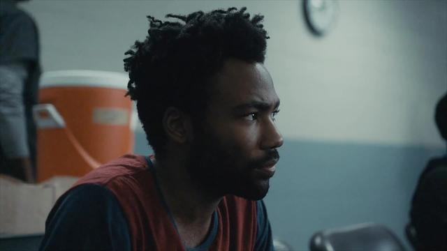 Atlanta (S1 E2): Guards taser mentally unstable man