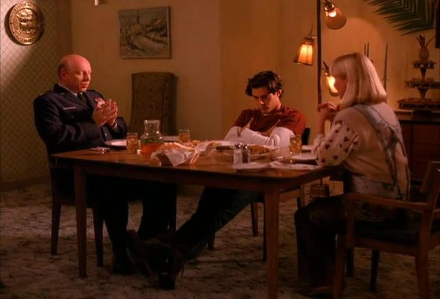 "Twin Peaks, Season 1, Ep 2, ""Traces to Nowhere"""